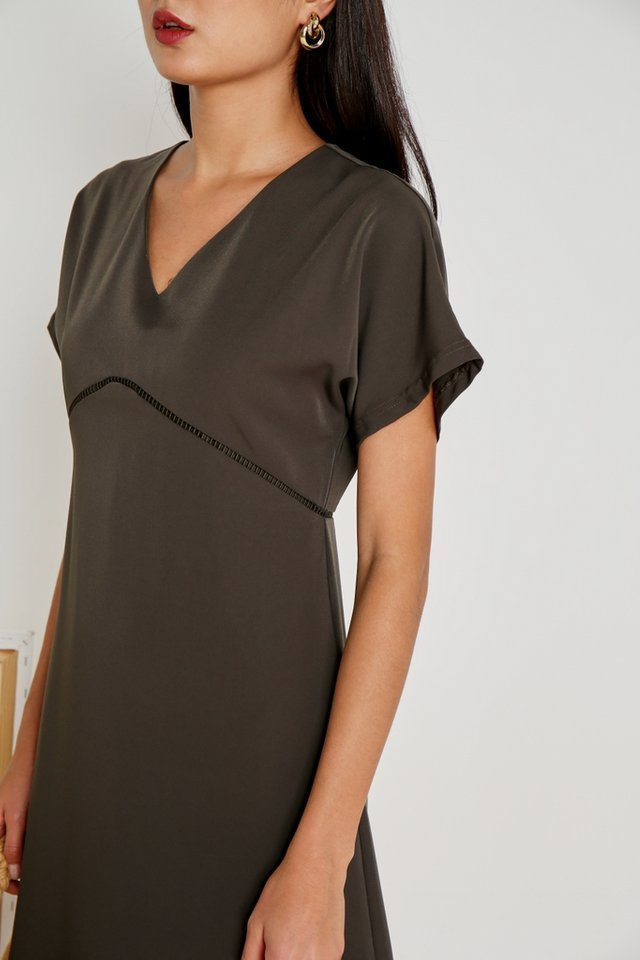 Renae Eyelet Trim Sleeved Dress in Olive (XS)