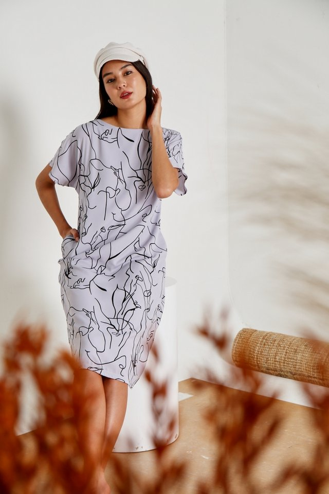 Darline Abstract Midi Dress in Lilac