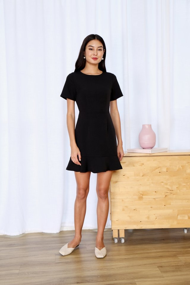 Hennie Dropwaist Sleeved Dress in Black