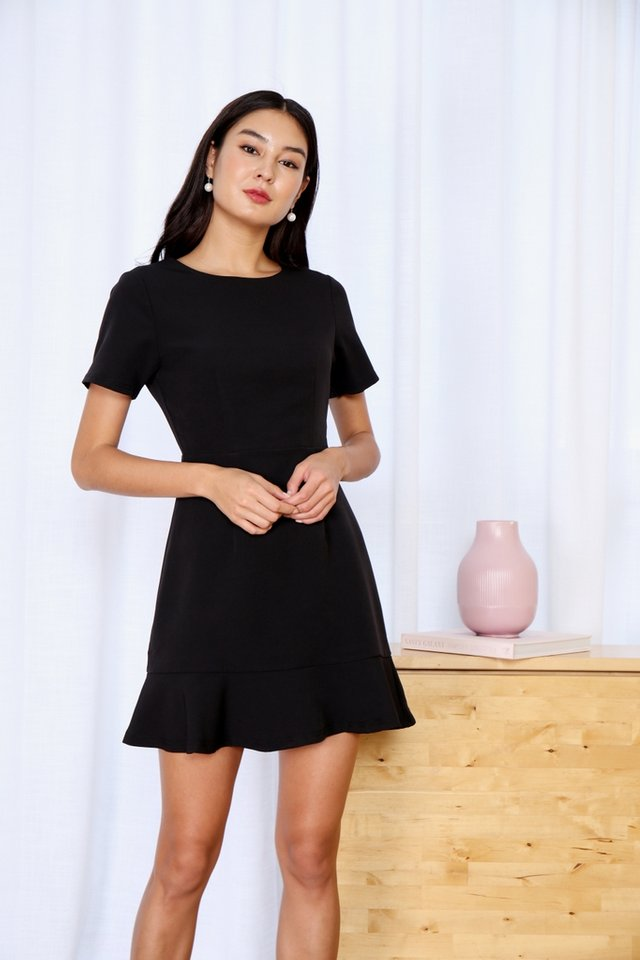 *BACKORDER* Hennie Dropwaist Sleeved Dress in Black