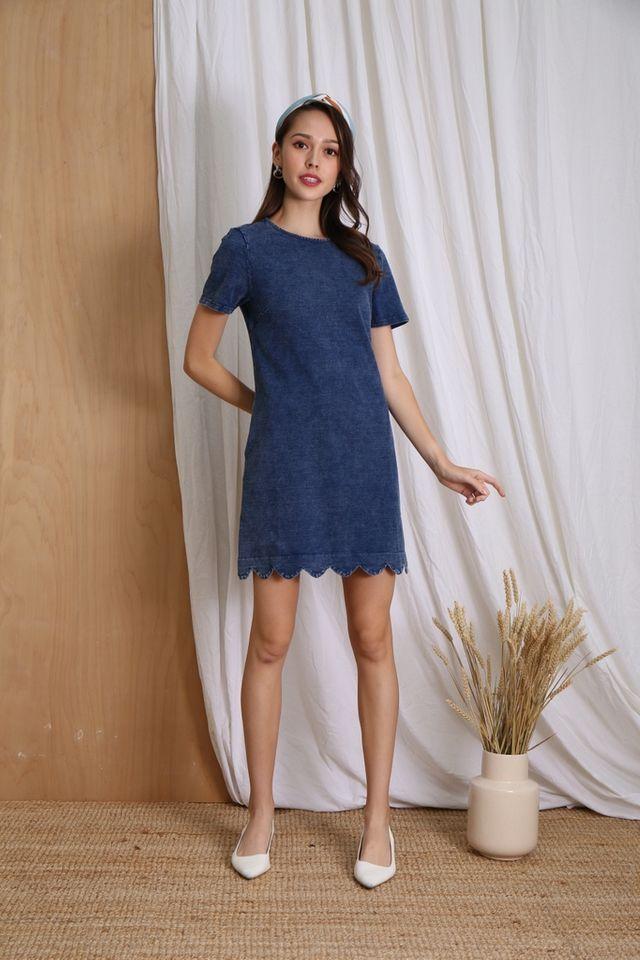 Mina Denim Scallop Hem Dress in Mid Wash