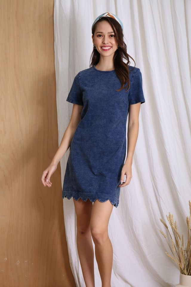 Mina Denim Scallop Hem Dress in Mid Wash