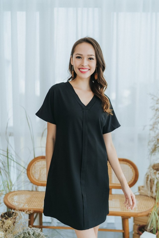 Kirsten Panel Shift Dress in Black