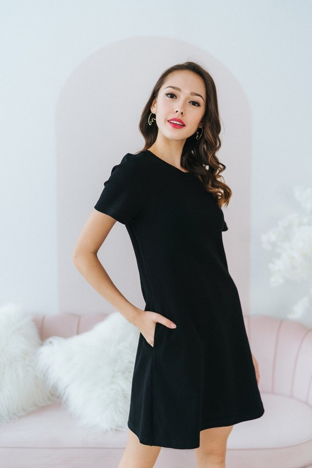 Ashley Ribbed A-line Dress in Black