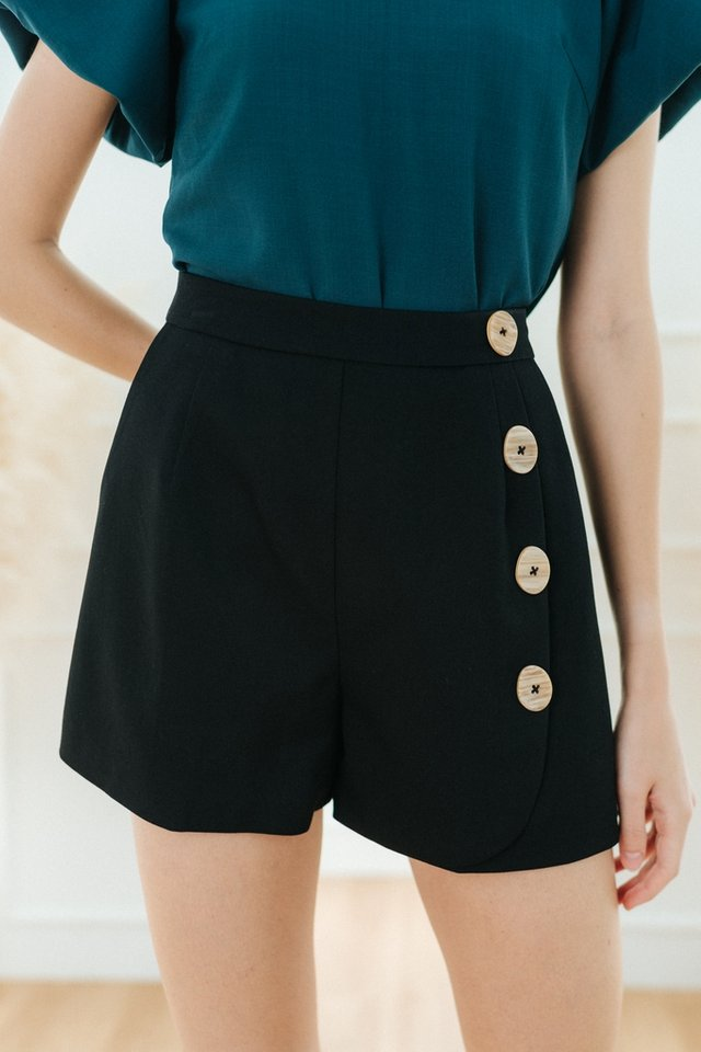 Nayeli Button Skorts in Black