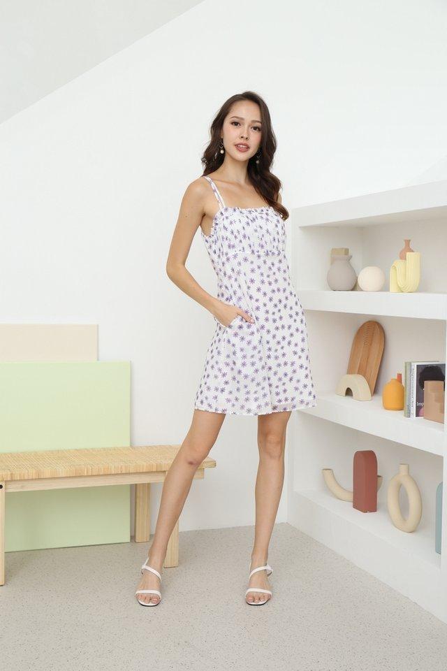 Della Daisy Ruched Dress in White
