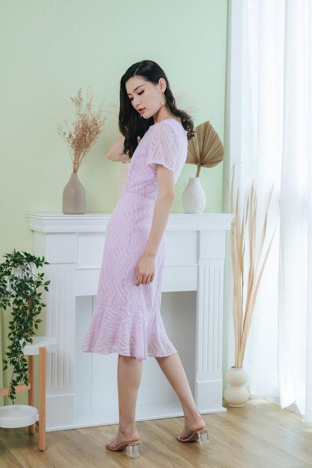 Jacie Leafy Textured Midi Dress in Lilac