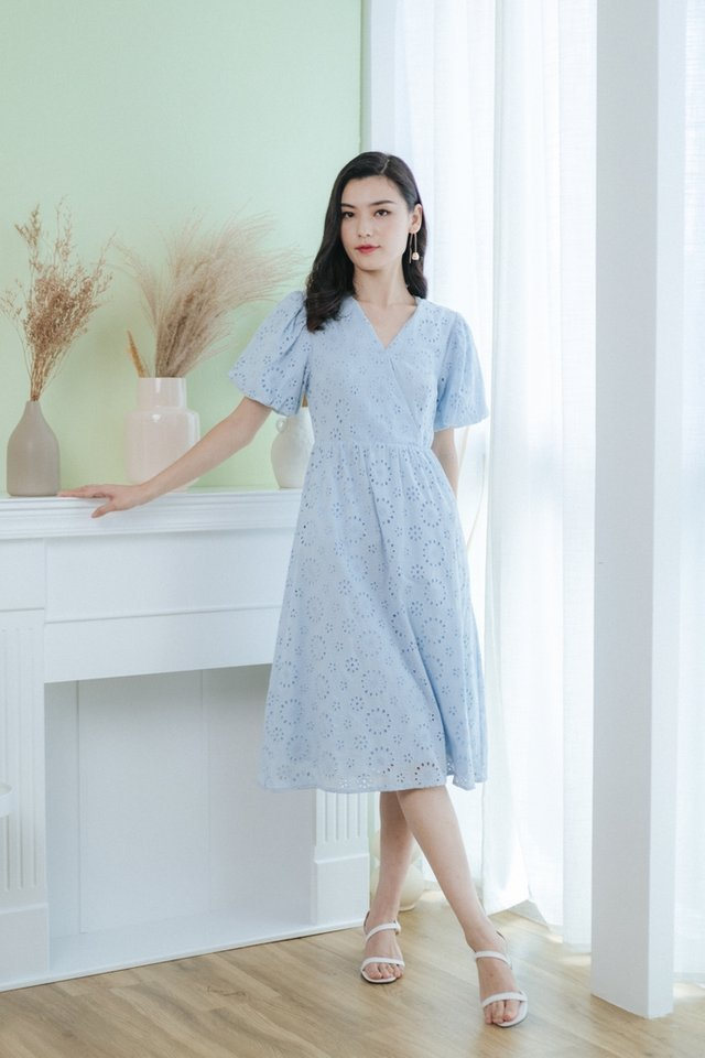 Aveline Eyelet Puffed Sleeves Midi Dress in Light Blue