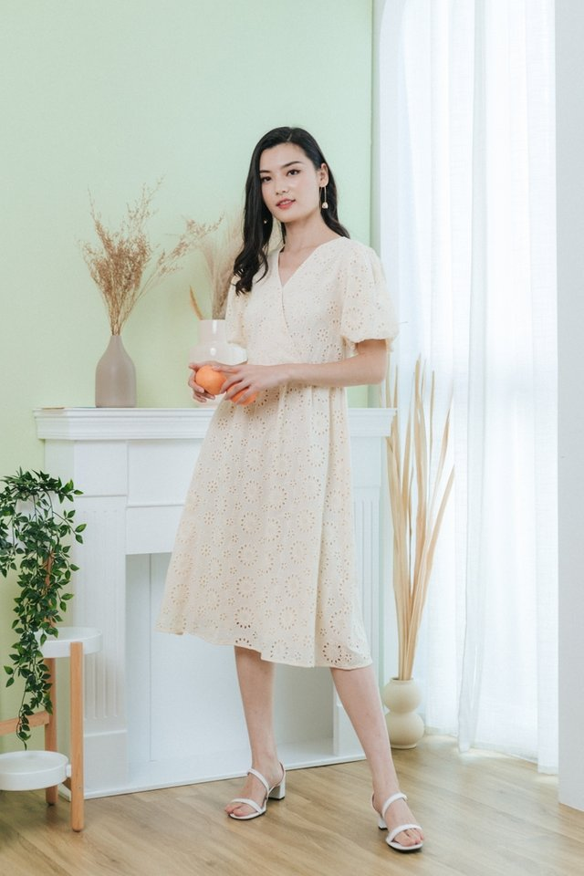 Aveline Eyelet Puffed Sleeves Midi Dress in Cream